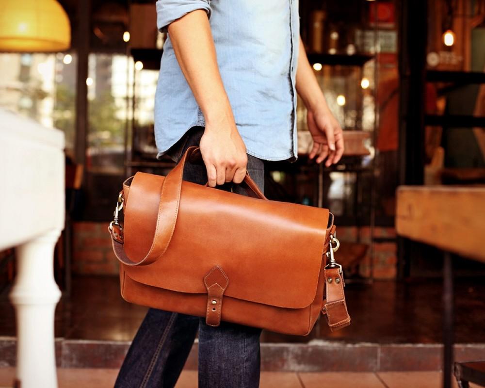 c8220eca5c41 TheCompanion Messenger Bag - Light Brown - Buy Online   LederMann